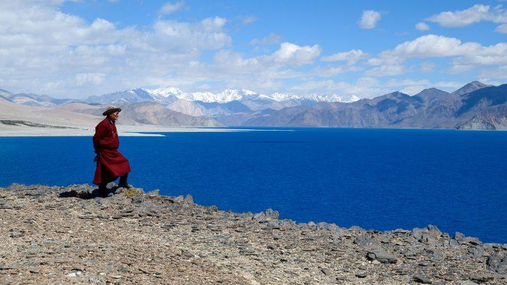 瑠璃の湖のほとりで(『インドの奥のヒマラヤへ ラダックを旅した十年間』試し読み)
