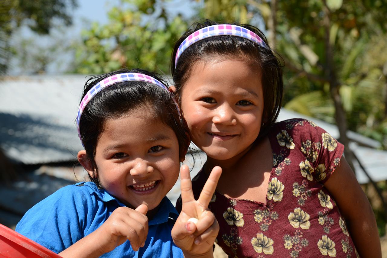 ボンの村で出会った女の子たち